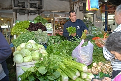 Customs Limits on Produce in Israel Lifted (Enlarge)